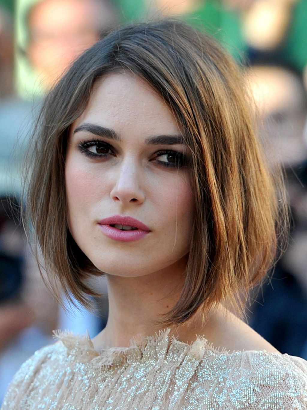 pictures-of-medium-length-bob-hairstyles-1 - talkin'heads